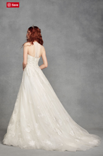 Load image into Gallery viewer, Vera Wang White 'Illusion Floral' size 4 new wedding dress back view on model
