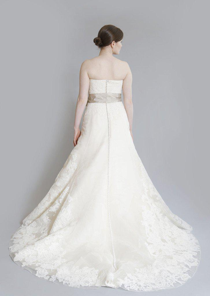 Vera Wang Luxe 'Whitney' Lace Dress - Vera Wang - Nearly Newlywed Bridal Boutique - 3