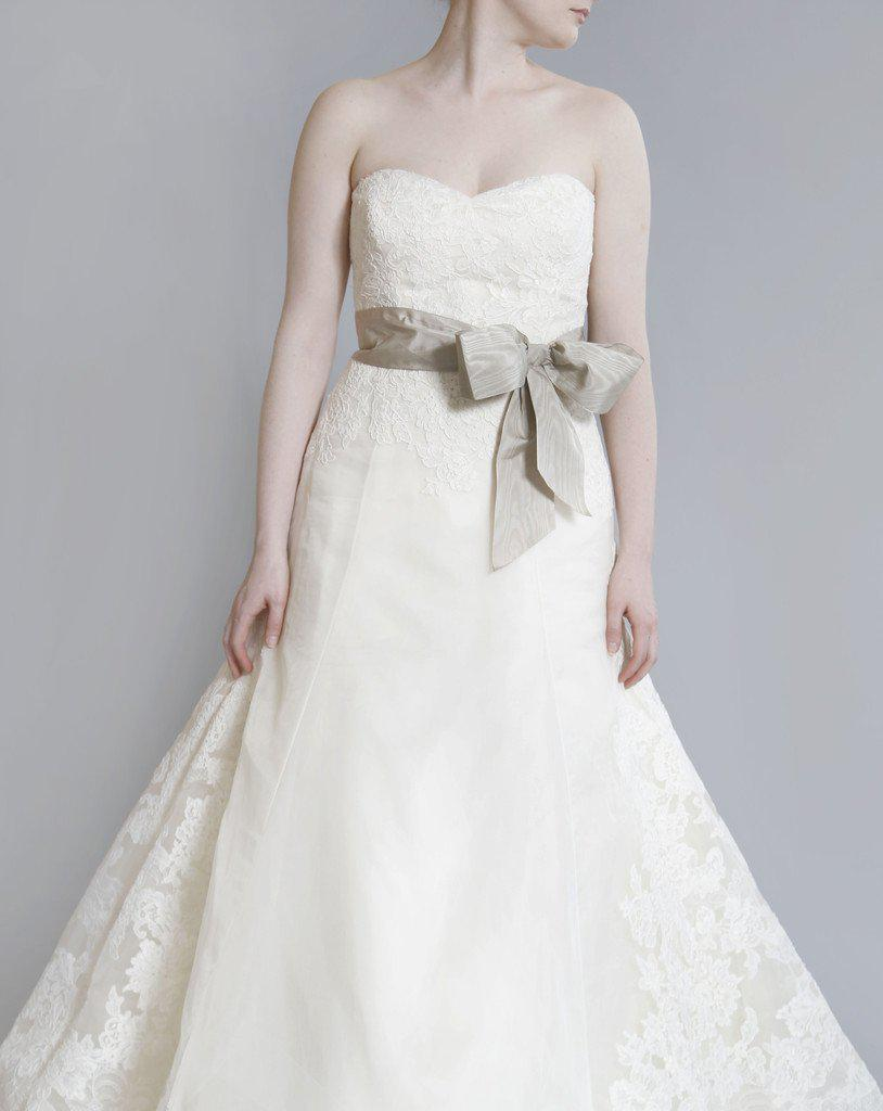 Vera Wang Luxe 'Whitney' Lace Dress - Vera Wang - Nearly Newlywed Bridal Boutique - 2