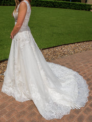 Maggie Sottero 'Alba' size 4 new wedding dress side view on bride