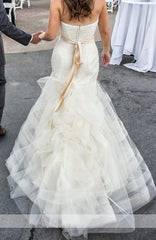 Vera Wang 'Georgina' size 6 used wedding dress back view on bride