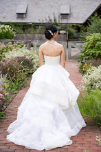 Load image into Gallery viewer, Vera Wang 'Katherine' with Lace Detail and Extended Train - Vera Wang - Nearly Newlywed Bridal Boutique - 8