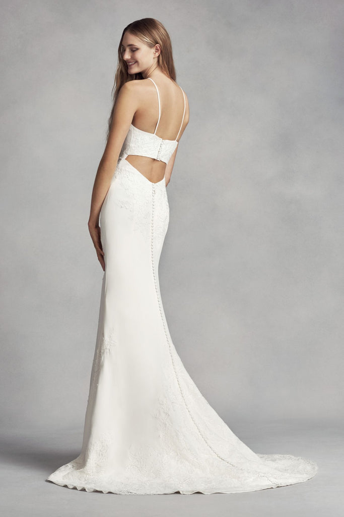 Vera Wang White '351346' size 8 used wedding dress back view on model