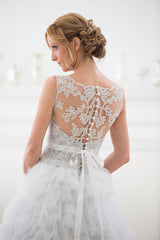 Veluz Reyes 'Karenina' size 2 sample wedding dress back view on model