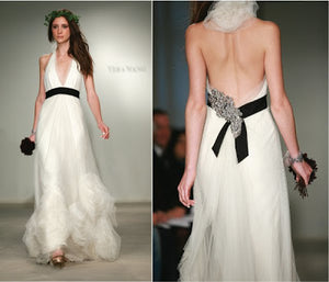 Vera Wang 'Vera Wang' - Vera Wang - Nearly Newlywed Bridal Boutique - 4
