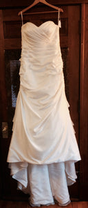 Essence of Australia 'D1732' size 16 new wedding dress front view on hanger