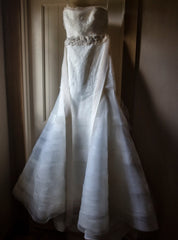 Vera Wang 'Georgina' size 6 used wedding dress front view on hanger