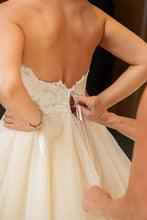 Load image into Gallery viewer, Lazaro '3251' - Lazaro - Nearly Newlywed Bridal Boutique - 5