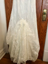 Load image into Gallery viewer, David's Bridal 'Lace Strapless' size 8 used wedding dress view of train