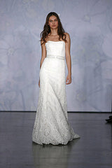 Monique Lhuillier 'Alencon Sweetheart' - Monique Lhuillier - Nearly Newlywed Bridal Boutique - 6