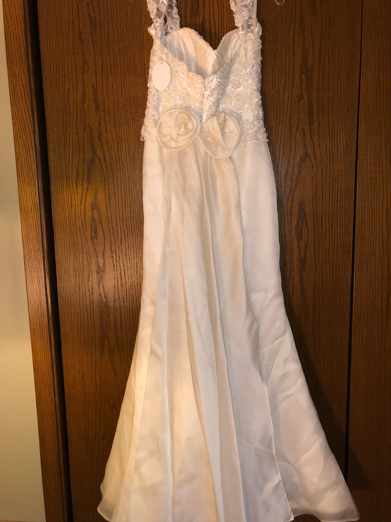 Exquisite Bride 'Portia' size 10 new wedding dress back view on hanger