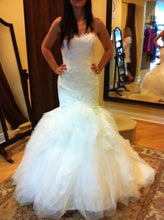 Load image into Gallery viewer, Pronovias 'Leiben' - Pronovias - Nearly Newlywed Bridal Boutique - 2
