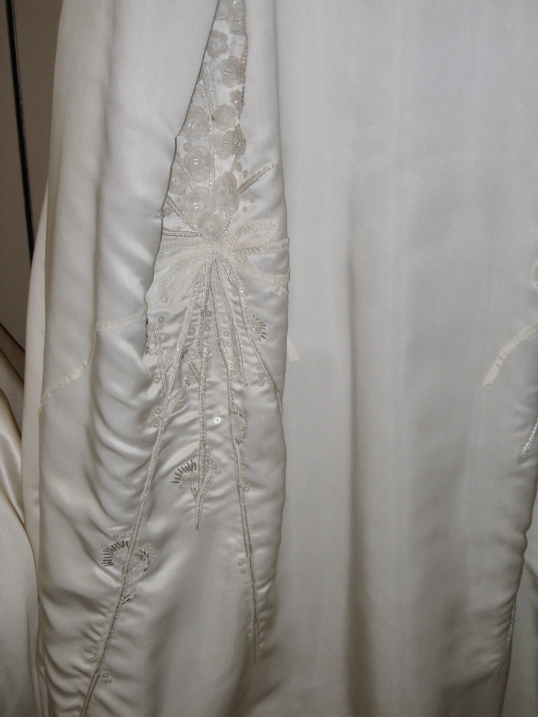 Carolina Herrera 'Custom' size 10 used wedding dress view of body of dress