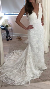 Tara Lauren 'Montgomery' size 4 new wedding dress front view on bride