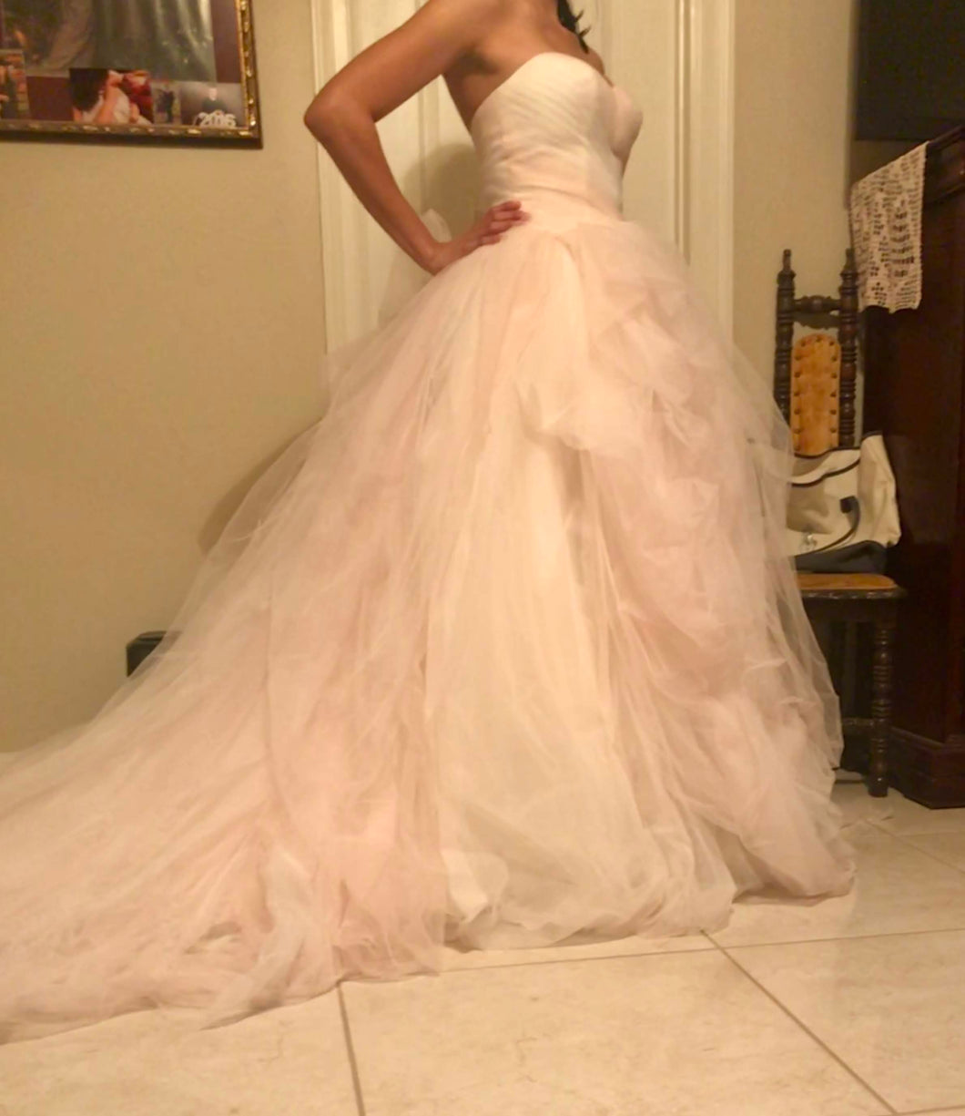 Vera Wang White 'Ombre Tulle' size 4 new wedding dress side view on bride
