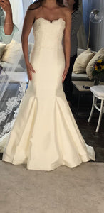 Sareh Nouri 'Paulina' size 2 used wedding dress front view on bride