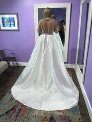 Calle Blanche '16127' size 8 new wedding dress back view on bride