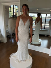 Load image into Gallery viewer, THEIA 'Astor STYLE #890606' wedding dress size-04 NEW
