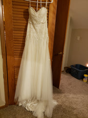 Melissa Sweet 'Sweetheart' size 8 used wedding dress front view on hanger