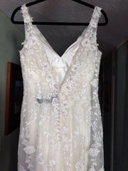 Robin Jillian 'Sweetheart' size 10 new wedding dress back view on hanger