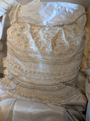 Lazaro ' 3171' size 4 used wedding dress front view close up