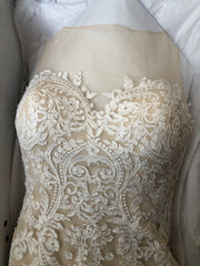 Justin Alexander 'Custom' size 8 used wedding dress front view flat in box