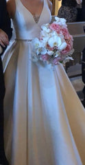 Allure Bridals ' 9473' size 10 used wedding dress front view on bride
