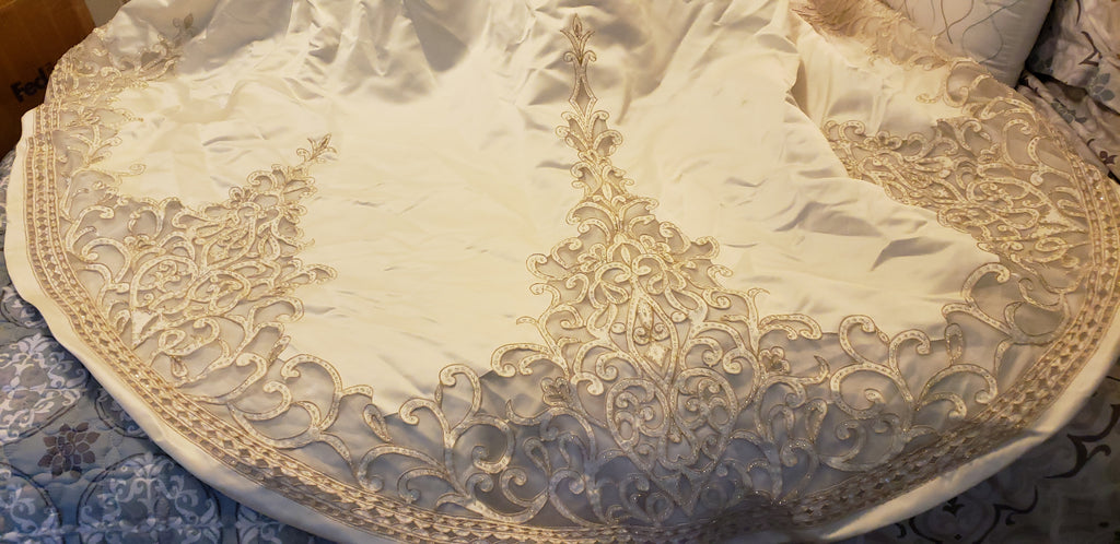 Oleg Cassini 'CYP368' size 8 used wedding dress view of train