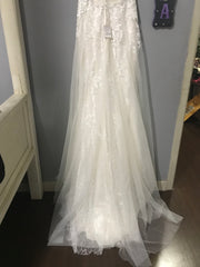 Galina Signature 'Illusion' size 6 new wedding dress front view of body of dress