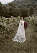 Load image into Gallery viewer, Anne Barge 'Blue Willow Cara Dress' wedding dress size-04 PREOWNED