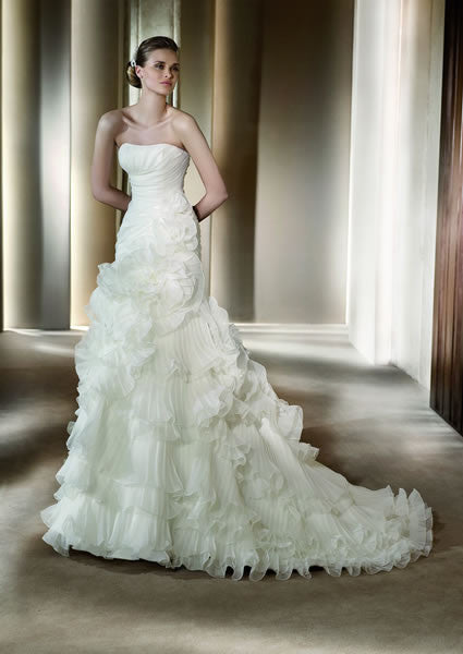 Pronovias Alga Silk Organza Mermaid Wedding Dress - Pronovias - Nearly Newlywed Bridal Boutique - 4