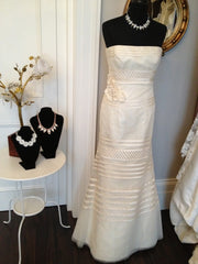 Strapless Alice Vera Wang Tulle Wedding Gown - Vera Wang - Nearly Newlywed Bridal Boutique - 4
