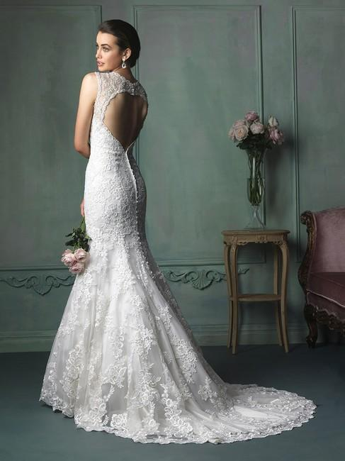 Allure Bridals 'Vintage Lace'
