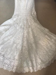 Allure Romance '2700' size 12 new wedding dress close up of train