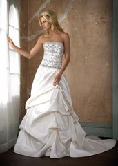 Alvina Valenta Style AV9657 - Alvina Valenta - Nearly Newlywed Bridal Boutique - 4