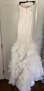 Vera Wang 'Ethel-Ivory' size 2 used wedding dress back view on hanger