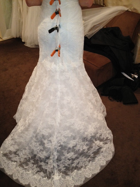 Monique Lhuillier Trumpet Lace Emma Wedding Dress - Monique Lhuillier - Nearly Newlywed Bridal Boutique - 7