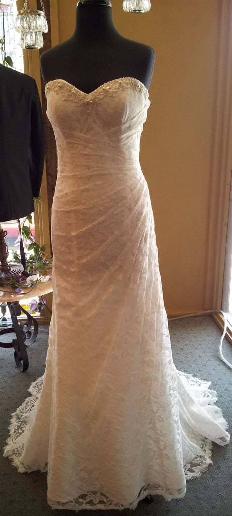 Alfred Angelo '2208'