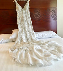Stephen Yearick '794627' size 10 used wedding dress front view on hanger