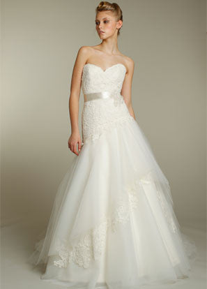 Alvina Valenta AV9162 Lace & Tulle Wedding Dress - Alvina Valenta - Nearly Newlywed Bridal Boutique - 1