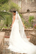Load image into Gallery viewer, Enzoani 'Eva' size 6 used wedding dress side view on bride