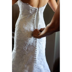 Oscar de la Renta Alencon Lace Gown - Oscar de la Renta - Nearly Newlywed Bridal Boutique - 6