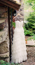 Load image into Gallery viewer, 'Badgley Mischka 'Kiki' - Badgley Mischka - Nearly Newlywed Bridal Boutique - 3