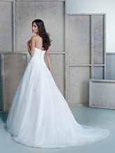 Load image into Gallery viewer, Ella Rosa 'BE 160' - Custom - Nearly Newlywed Bridal Boutique - 2
