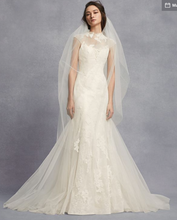 Load image into Gallery viewer, Vera Wang White 'Chantilly Lace Trumpet' size 0 new wedding dress front view on model