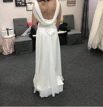Load image into Gallery viewer, Mary's Designer Bridal Boutique 'A Line' size 8 new wedding dress back view on bride