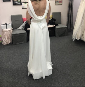 Mary's Designer Bridal Boutique 'A Line' size 8 new wedding dress back view on bride