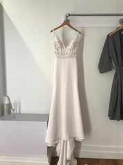 Paloma Blanca '4787' size 6 new wedding dress front view on hanger