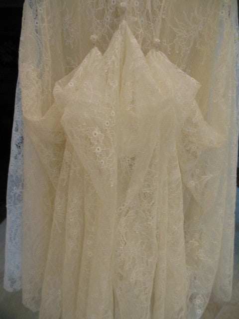 Sleeveless Vera Wang Embellished Wedding Dress - Vera Wang - Nearly Newlywed Bridal Boutique - 4