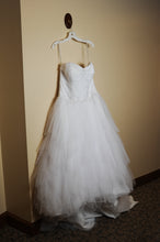 Load image into Gallery viewer, Jewel 'Strapless Tiered Tulle' size 14 used wedding dress side view on hanger